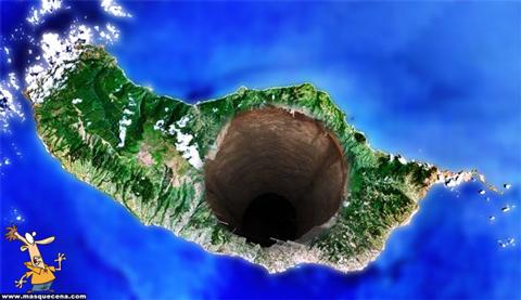 Imagem que mostra a Madeira com um enorme buraco