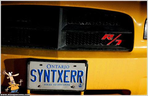 Matrícula de carro que diz SYNTXERR