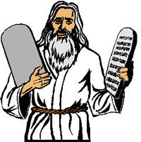 Moisés com os mandamentos da lei de Deus nas mãos