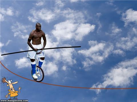 Balotelli como equilibrista