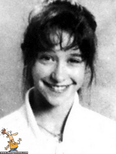 Young Jennifer Love-Hewitt before she was famous yearbook picture