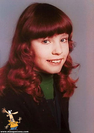 Young Kelly Brook yearbook picture